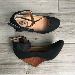 Mix No. 6 black ankle strap wedges
